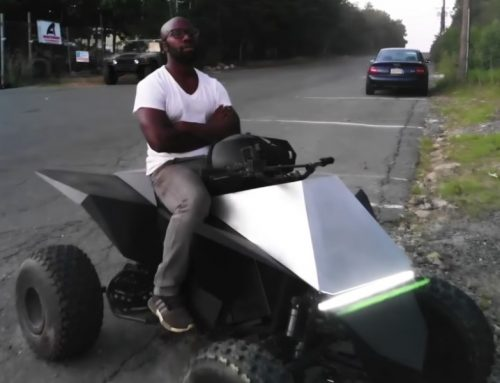 YouTuber κατασκευάζει το δικό του Tesla CyberQuad ATV (video)