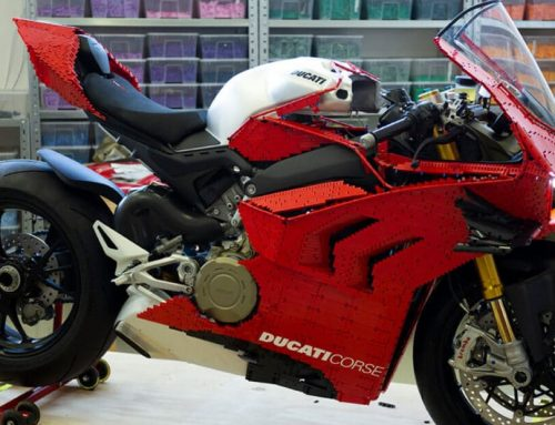 Αυτή η Ducati Panigale V4 είναι φτιαγμένη εξ ολοκλήρου από LEGO [video]